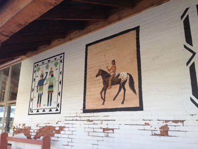 Painted Walls Tell Stories in Northern N.M.